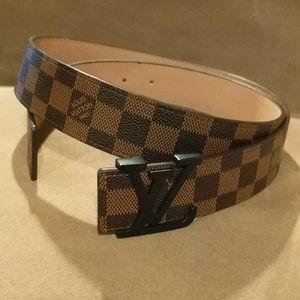 Louis Vuitton belt, leather, adjustable